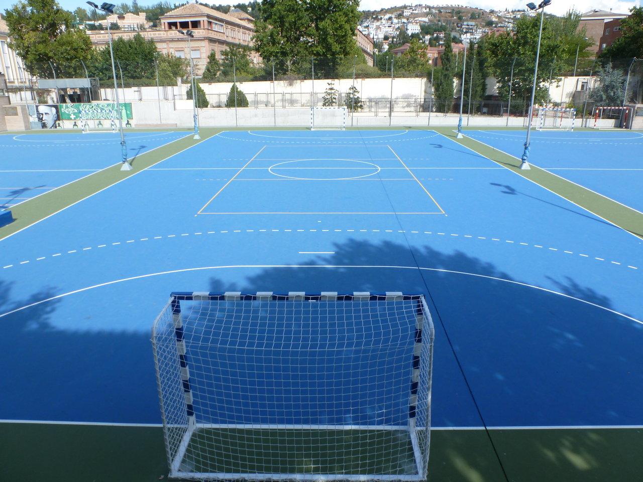 Pista exterior 2 polideportivo genil for Pista de futbol sala medidas